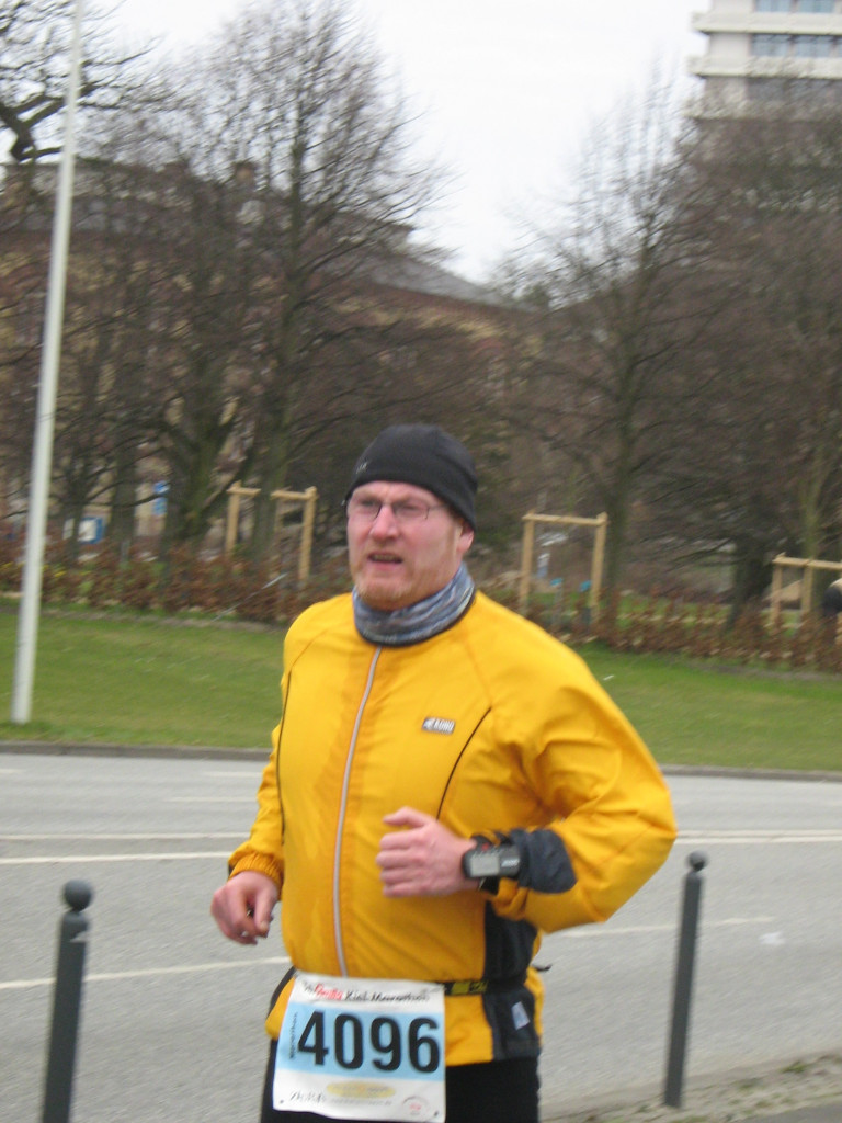 Gezeichnet von der Belastung - Kiel-Marathon 2008