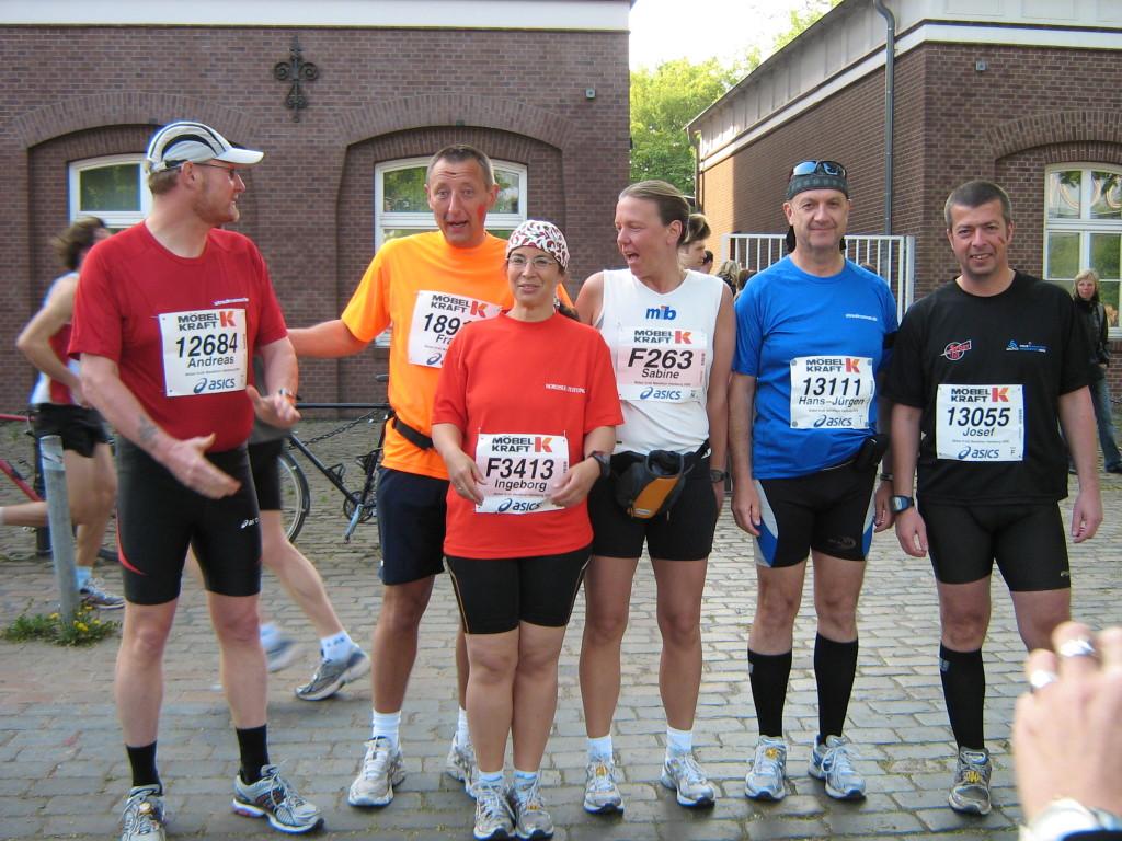 Beste Laune vor dem Lauf - Hamburg-Marathon 2009