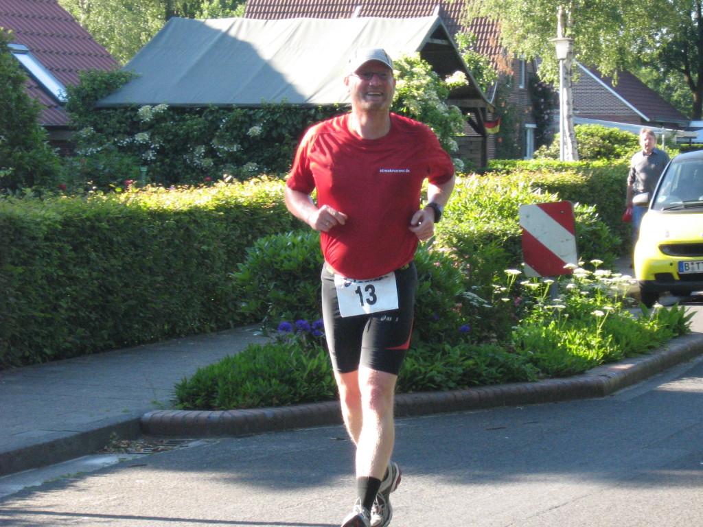 Der Dauergrinser beim Hesel-Marathon 2009
