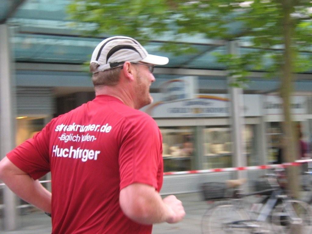 Der Flitzer beim Bremerhaven-Marathon 2009